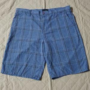 3/$30👨Hurley men's shorts